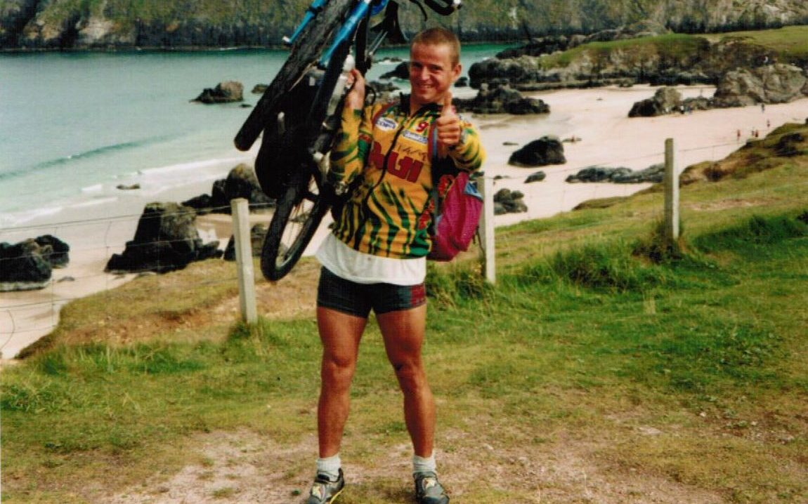 Wendelin mit Mountainbike in England